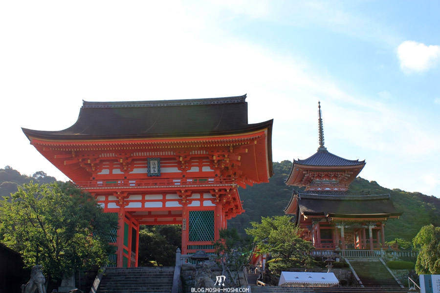 kiyomizu-dera-kyoto-escaliers-entree