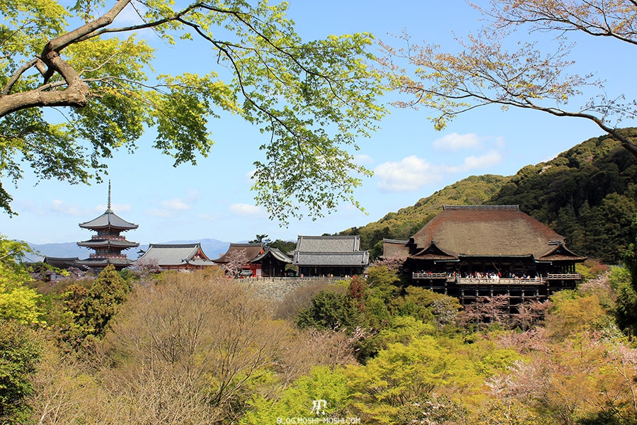 kiyomizudera-sanctuaire-kyoto-saison-sakura-vue-entier