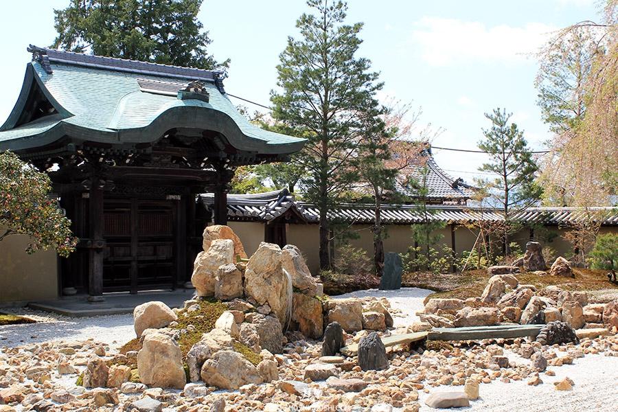 temple-kodai-ji-kyoto-saison-sakura-jardin-zen-pierre-ilot-zoom