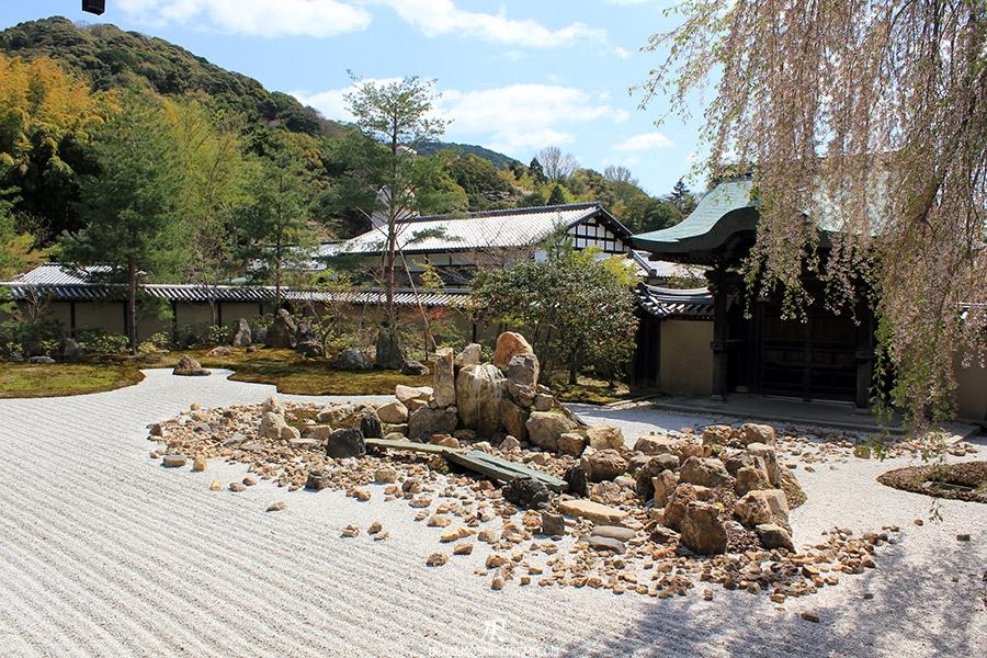 temple-kodai-ji-kyoto-saison-sakura-jardin-zen-pierre-ilot