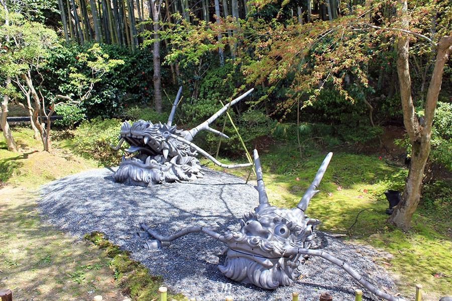 temple-kodai-ji-kyoto-saison-sakura-tetes-dragon-jardin