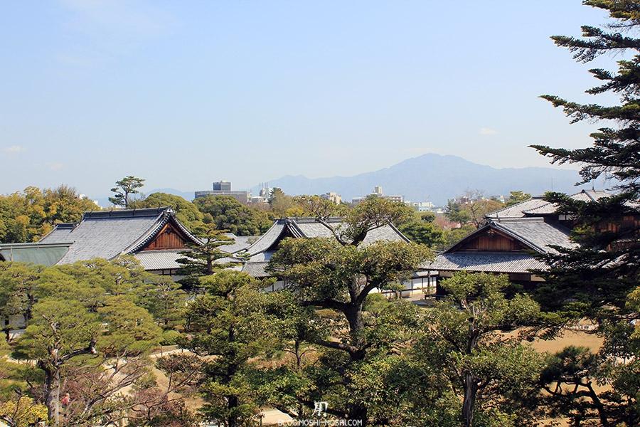 nijo-jo-chateau-kyoto-saison-sakura-vue-chateau-depuis-muraille