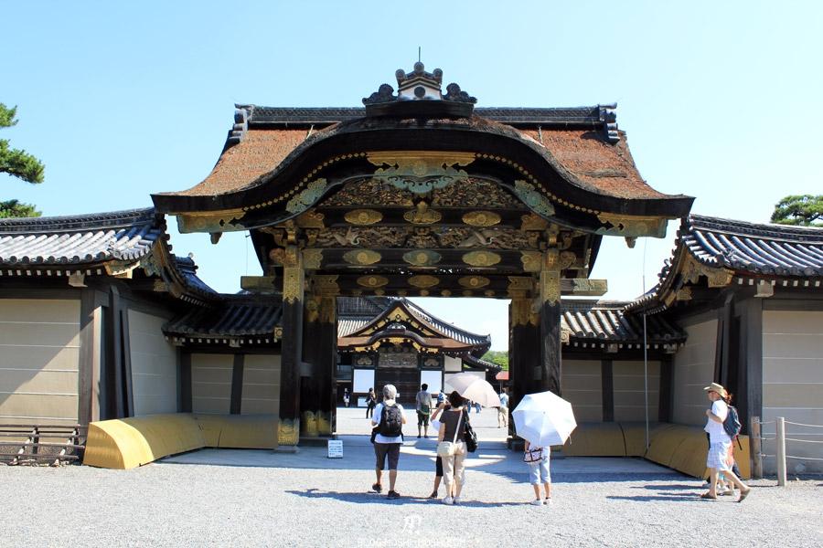 nijo-jo-kyoto-cours-porte-entree-face
