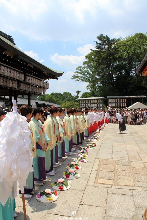 yasaka-jinja-kyoto-episode-gion-matsuri-ceremonie-offrandes-remerciement