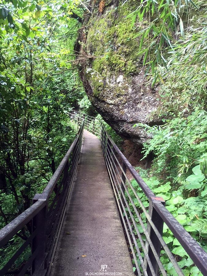 daigo-cascade-fukuroda-longue-passerelle-acces-cascade