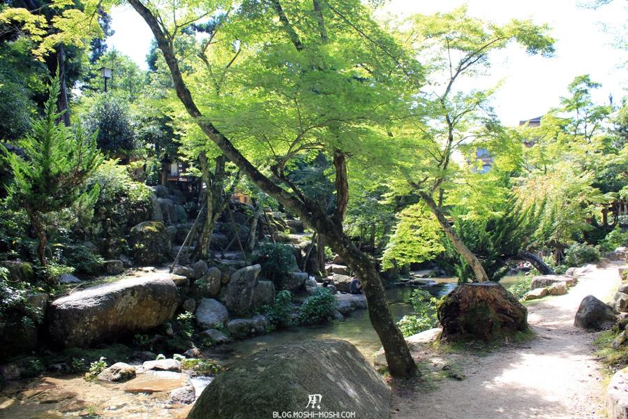 parc-momijidani-miyajima-chemin-discret-cours-eau