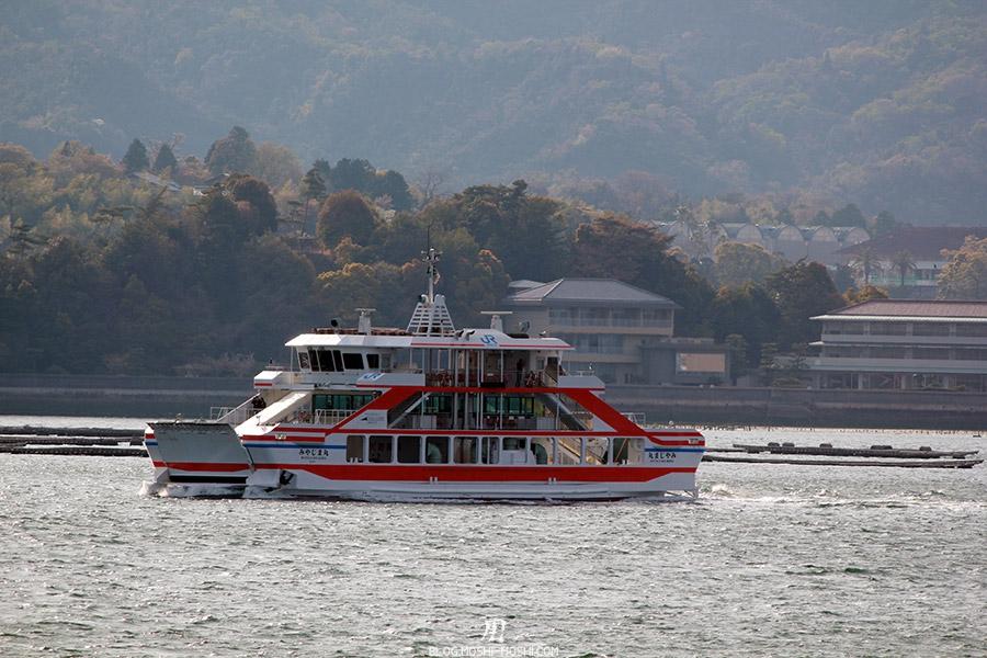 miyajima-hiroshima-saison-sakura-bateau-traversee
