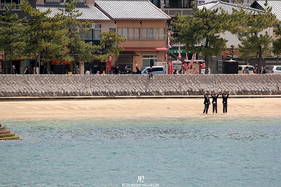 miyajima-hiroshima-saison-sakura-coucou-lyceens-japonais
