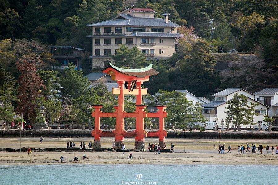 miyajima-hiroshima-saison-sakura-grand-torii-maree-basse