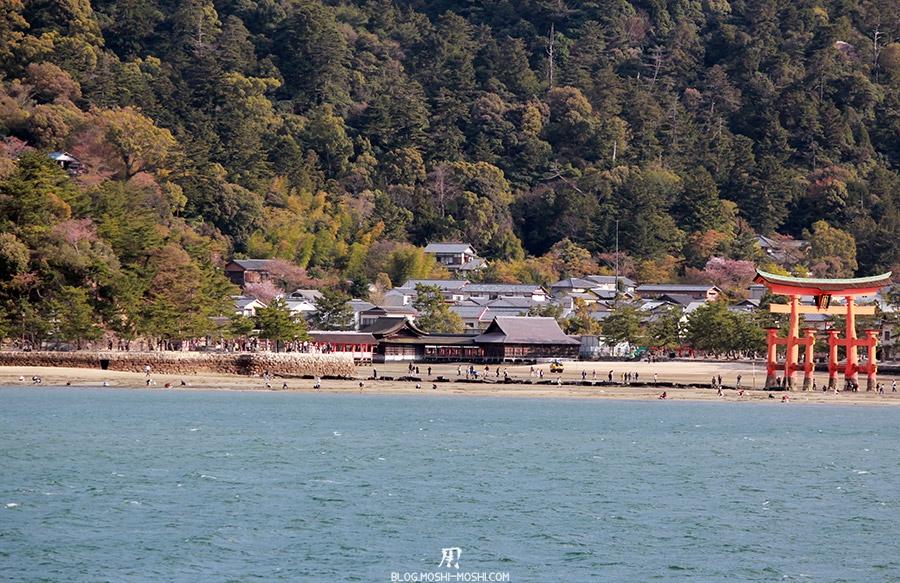 miyajima-hiroshima-saison-sakura-grand-torii-vue-mer-plage