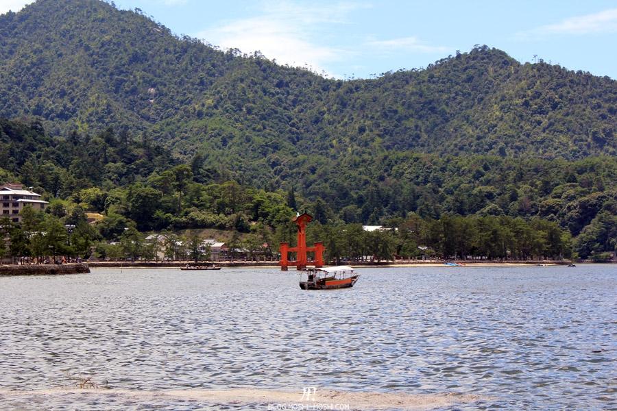 ile-miyajima-baie-bateau-torii