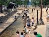 ile-miyajima-enfants-riviere-rafraichir