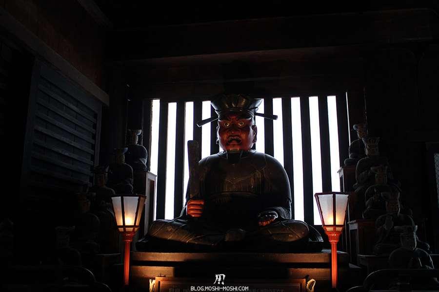 Nagano-temple-Zenko-ji-festival-Gokaicho-interieur-statue-mystique
