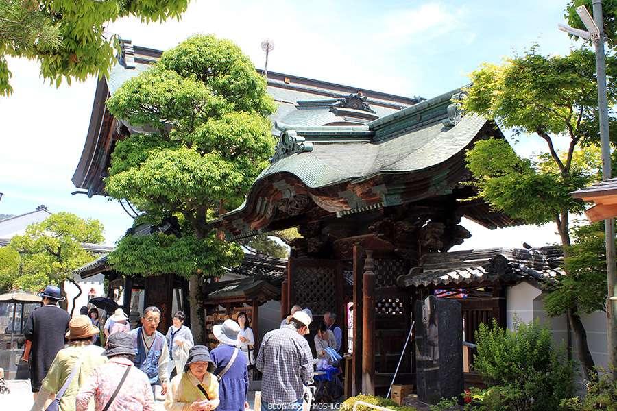Nagano-temple-Zenko-ji-festival-Gokaicho-maree-de-vieux