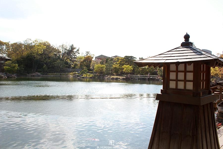 tokugawaen-parc-nagoya-etang-lanterne-japonaise-bois-rappel-kenrokuen-kanazawa