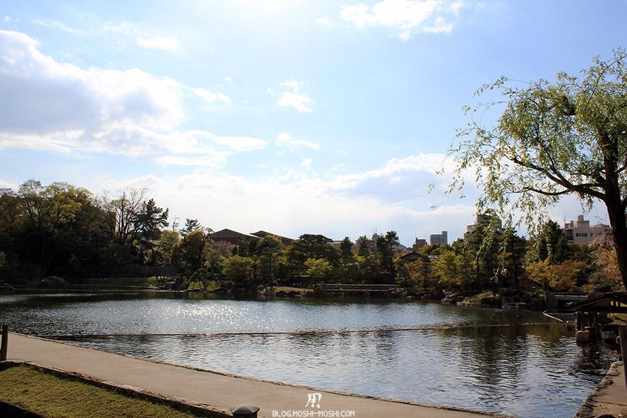 tokugawaen-parc-nagoya-etang-vue-cote
