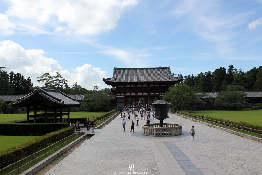 temple-todai-ji-Nara-longue-allee
