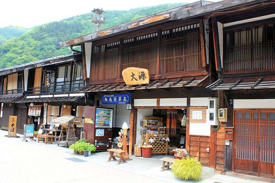 narai-juku-village-etape-nakasendo-boutique-souvenirs