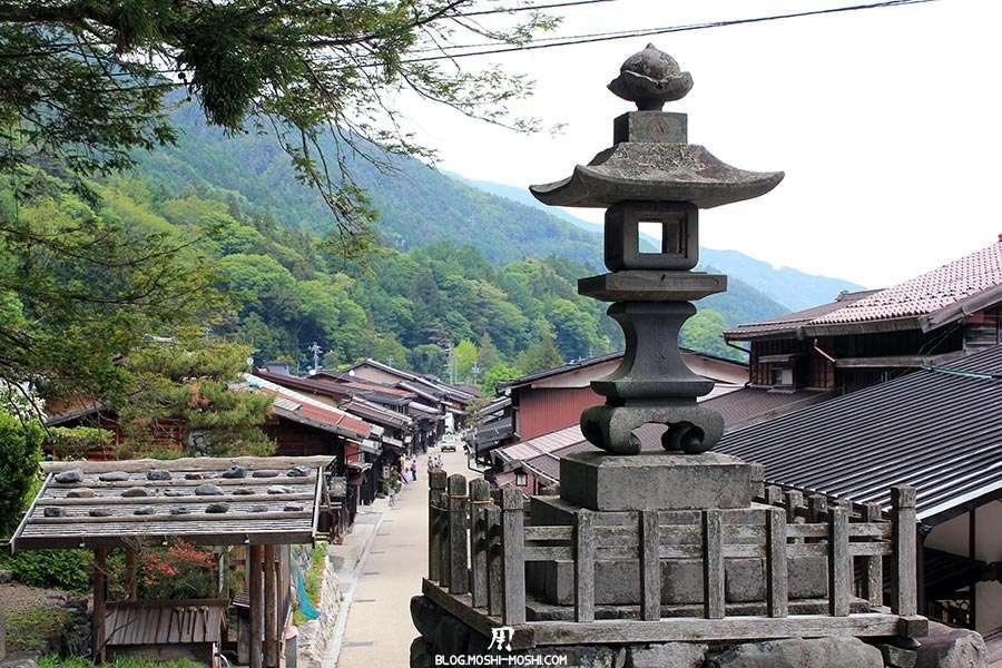 narai-juku-village-etape-nakasendo-lanterne-vue-hauteur-village