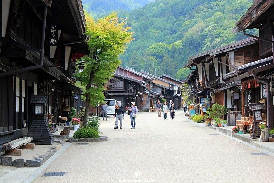 narai-juku-village-etape-nakasendo-un-peu-touristes