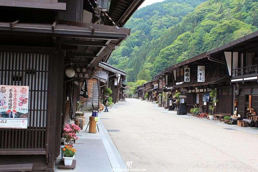 narai-juku-village-etape-nakasendo-village-station-de-ski