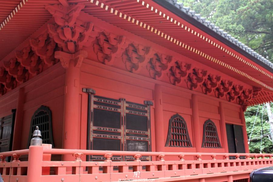 Nikko-futarasan-jinja-travail-bois