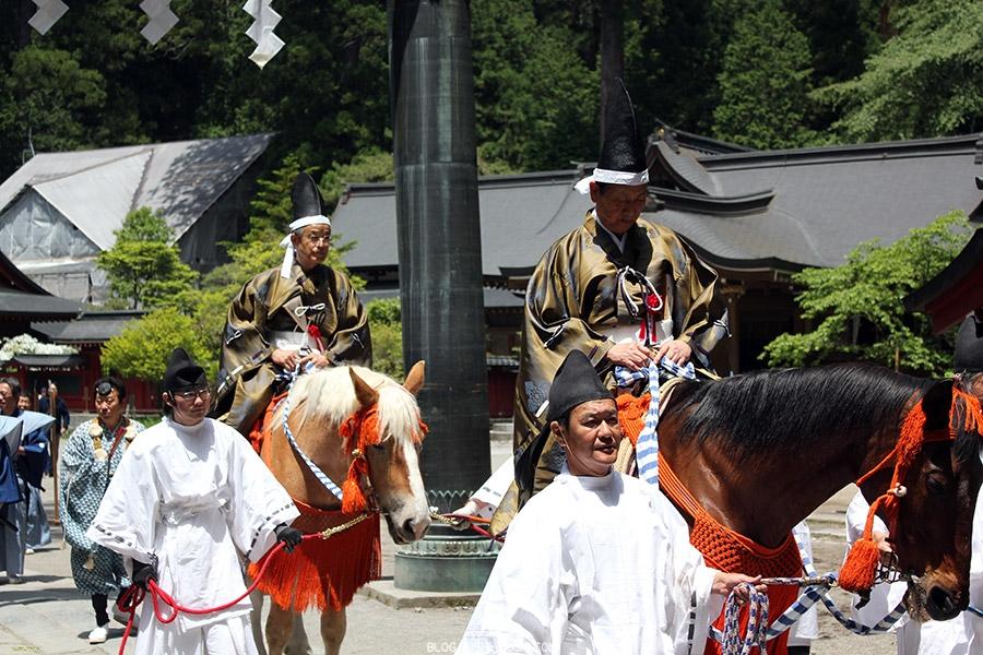 nikko-shunki-reitaisai-matsuri-grand-festival-de-printemps-cavalier-magnifique-kimono