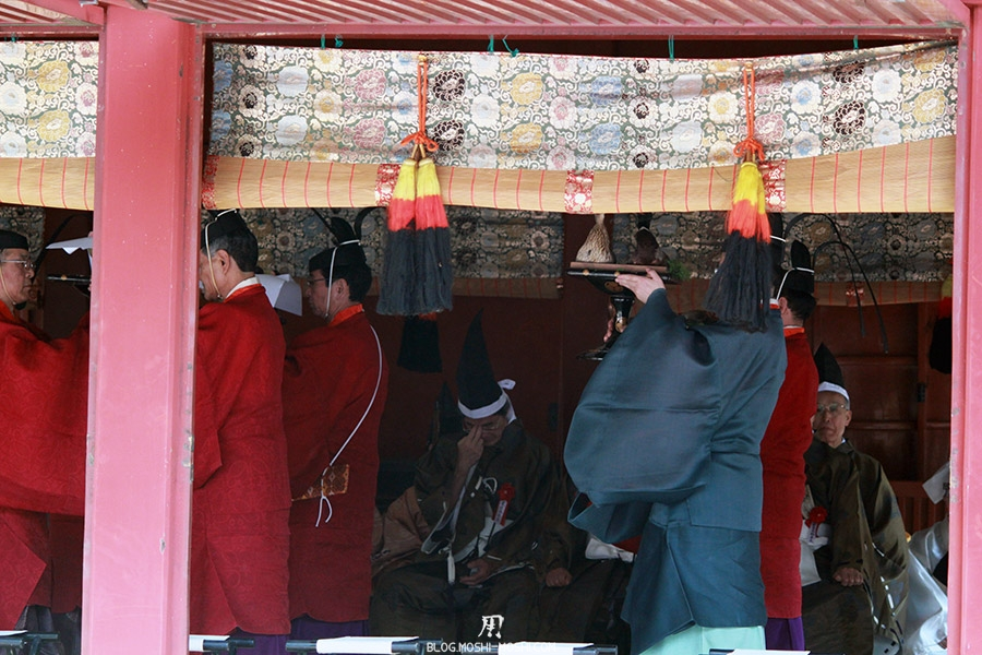 nikko-shunki-reitaisai-matsuri-grand-festival-de-printemps-ceremonie-offrandes-shogun-plateaux