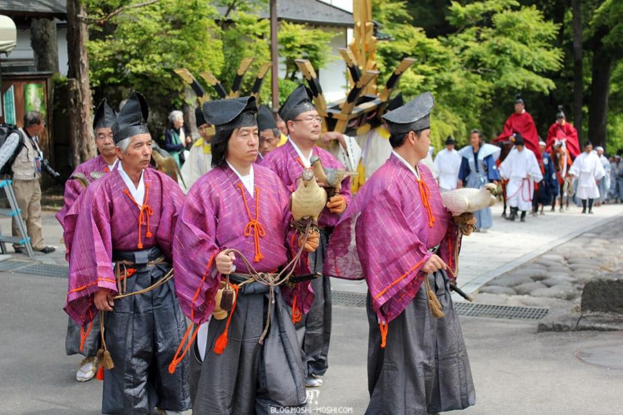 nikko-shunki-reitaisai-matsuri-grand-festival-de-printemps-defile-dresseurs-rapaces
