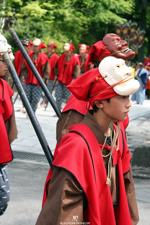 nikko-shunki-reitaisai-matsuri-grand-festival-de-printemps-defile-enfant-masque-guerrier