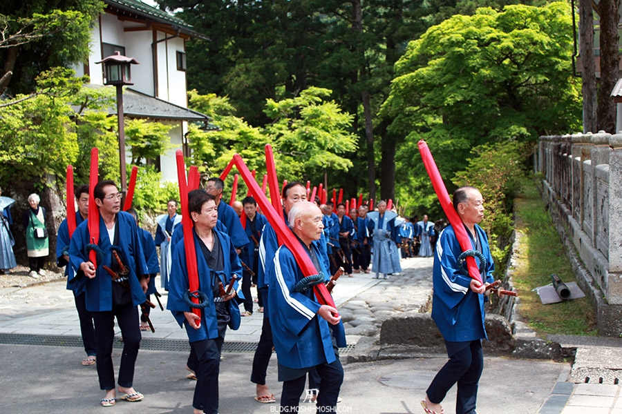 nikko-shunki-reitaisai-matsuri-grand-festival-de-printemps-defile-fusil-ancien-tirailleurs