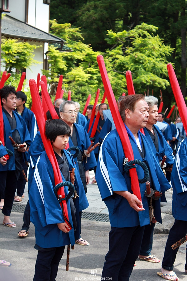 nikko-shunki-reitaisai-matsuri-grand-festival-de-printemps-defile-fusil-jeune-tireur