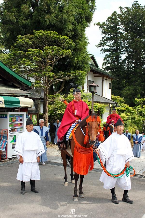 nikko-shunki-reitaisai-matsuri-grand-festival-de-printemps-defile-haut-fonctionnaire-cheval