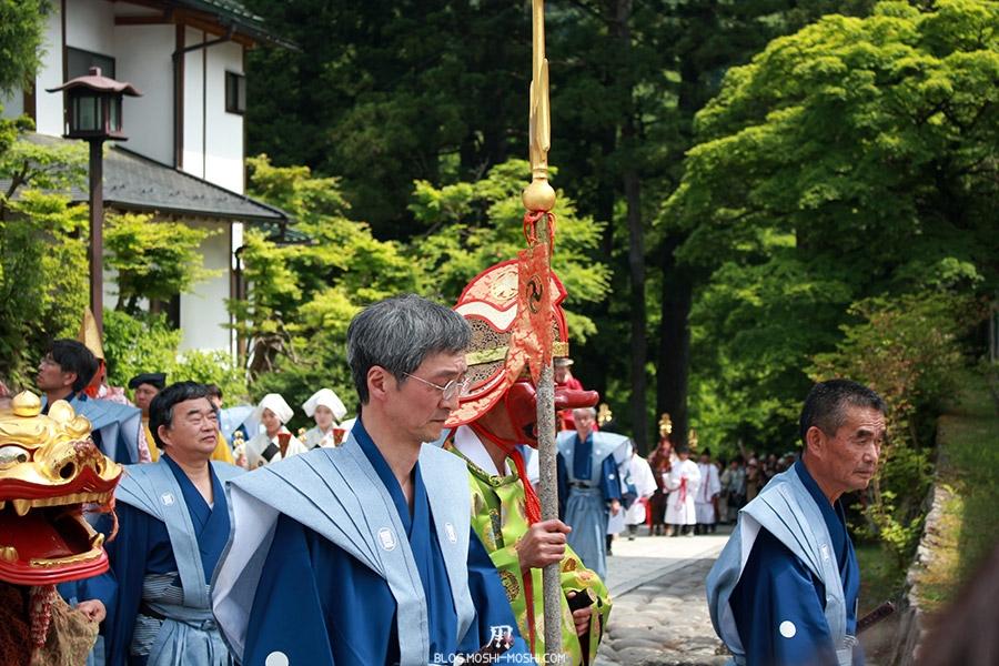 nikko-shunki-reitaisai-matsuri-grand-festival-de-printemps-defile-lancier-masque