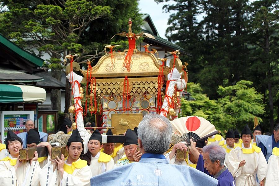 nikko-shunki-reitaisai-matsuri-grand-festival-de-printemps-defile-mikoshi-sacree-shogun-guidage
