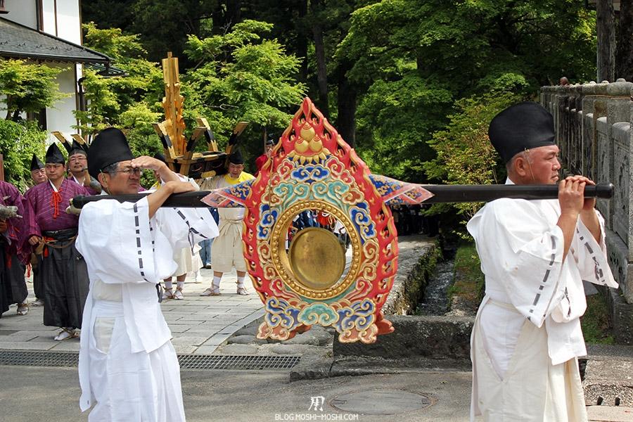 nikko-shunki-reitaisai-matsuri-grand-festival-de-printemps-defile-porteur-dong-musique