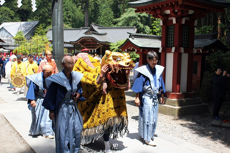 nikko-shunki-reitaisai-matsuri-grand-festival-de-printemps-dragon-gueule-ouverte
