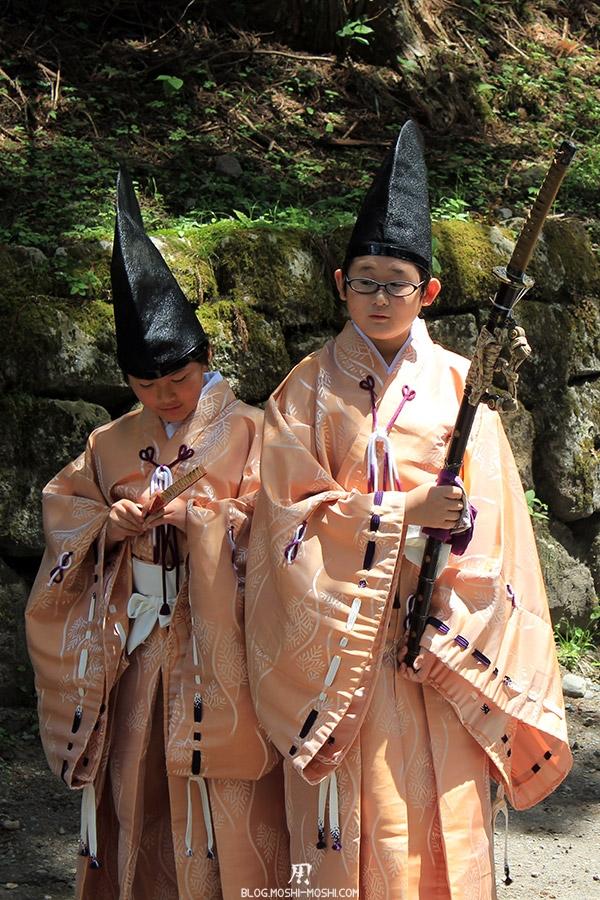 Shunki Reitaisai nikko-matsuri-grand-festival-de-printemps-enfants-katana
