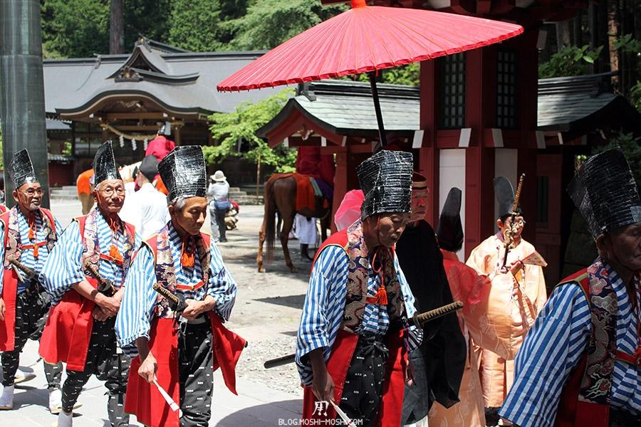 nikko-shunki-reitaisai-matsuri-grand-festival-de-printemps-guerriers-grand-chapeau