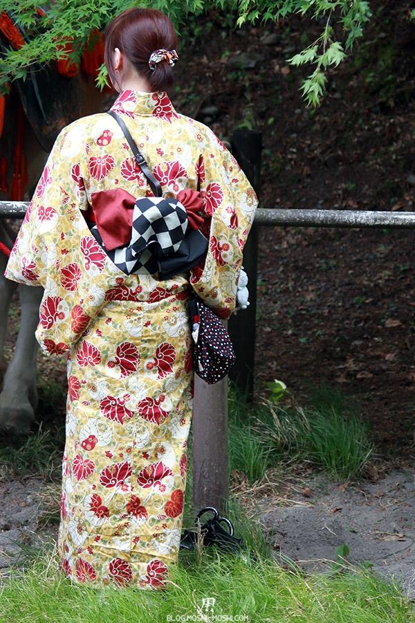 nikko-shunki-reitaisai-matsuri-grand-festival-de-printemps-jeune-fille-yukata-dos