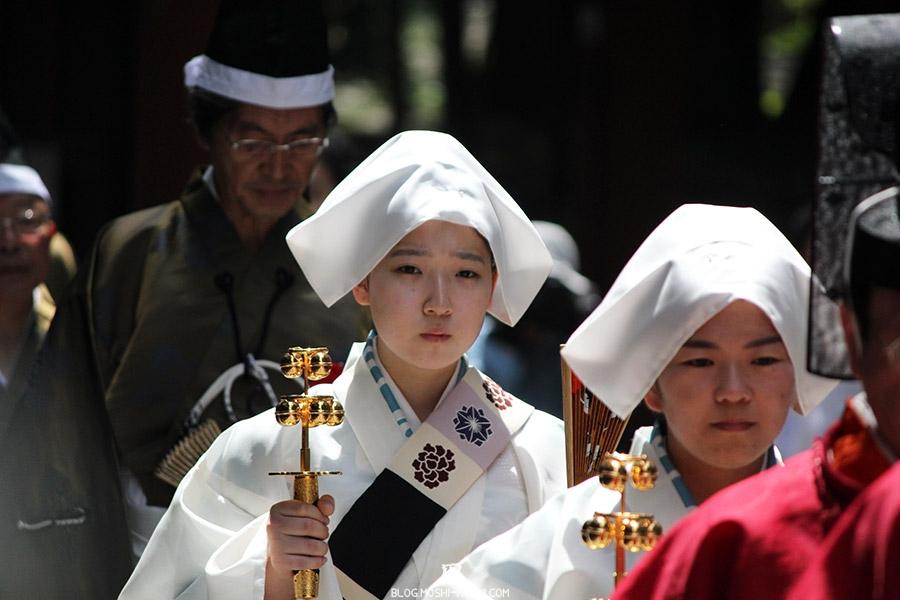 nikko-shunki-reitaisai-matsuri-grand-festival-de-printemps-jeune-pretresse