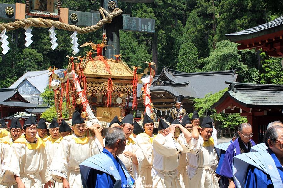nikko-shunki-reitaisai-matsuri-grand-festival-de-printemps-mikoshi-sacre-shogun