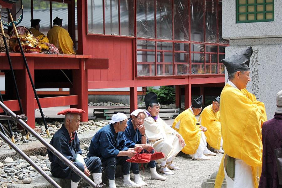 nikko-shunki-reitaisai-matsuri-grand-festival-de-printemps-otabisho-gang-jiji-coussin-tete