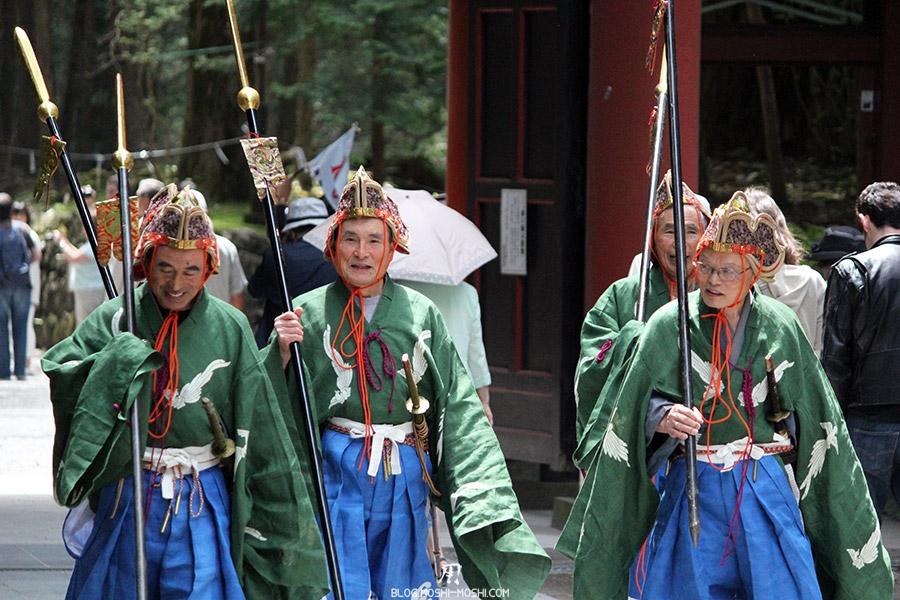 nikko-shunki-reitaisai-matsuri-grand-festival-de-printemps-otabisho-lanciers-souriant