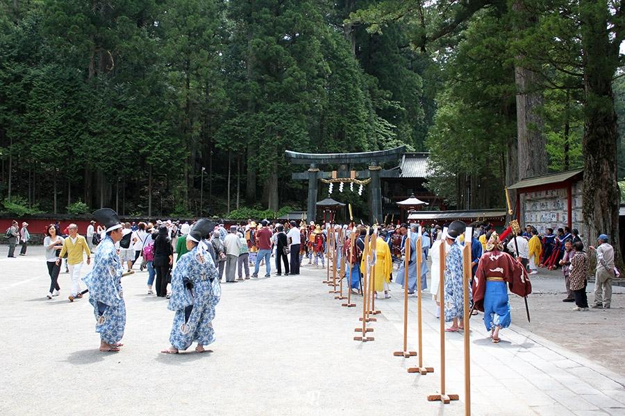 nikko-shunki-reitaisai-matsuri-grand-festival-de-printemps-otabisho-participants-debut-rassemblement