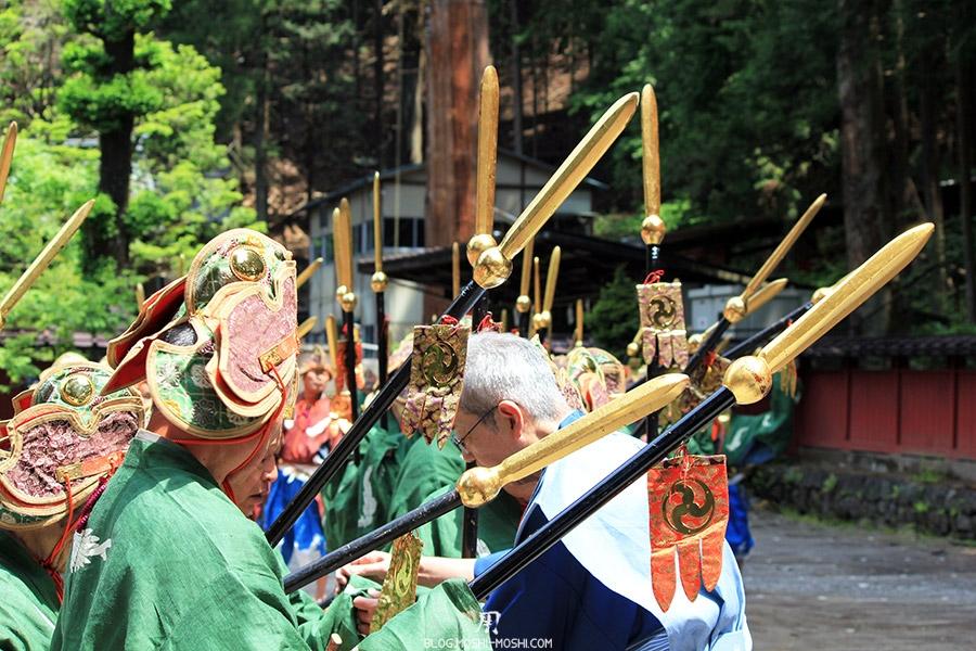 nikko-shunki-reitaisai-matsuri-grand-festival-de-printemps-pointes-dorees-lances