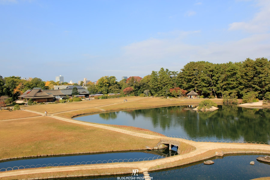 okayama-jardin-koraku-en-saison-momiji-cote-ville