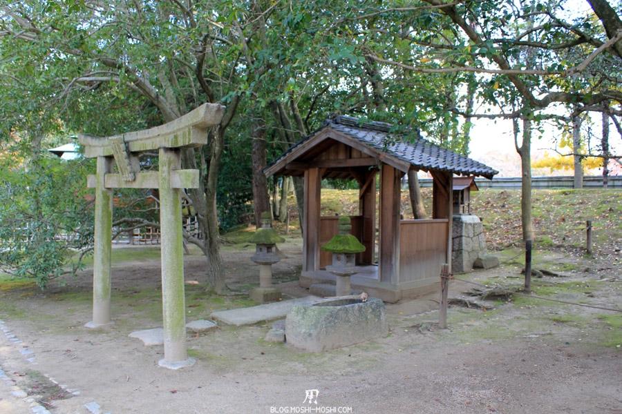 Okayama-jardin-koraku-en-saison-momiji-sanctuaire