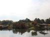 okayama-jardin-koraku-en-saison-momiji-vue-large-ilot-chateau