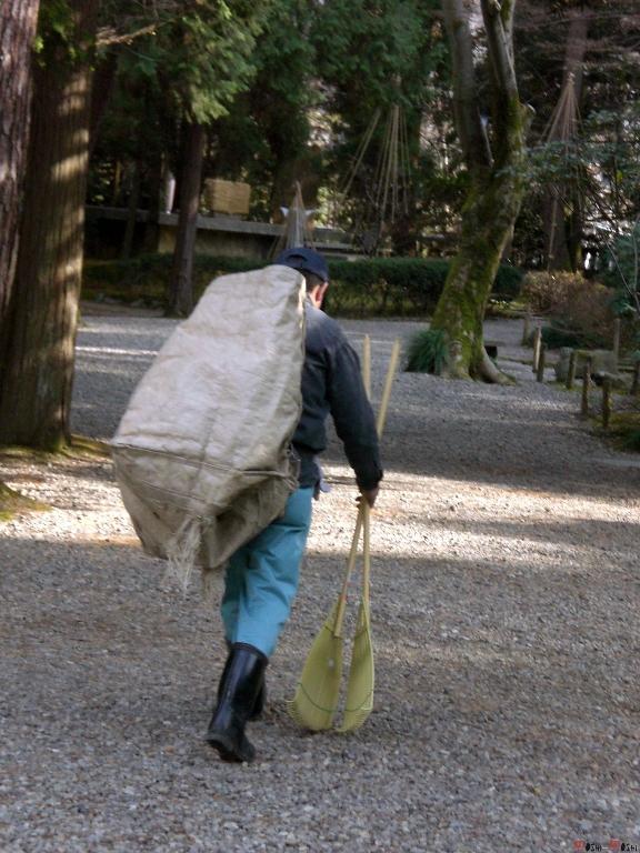 sanctuaire-oyama-Kanazawa-au-travail